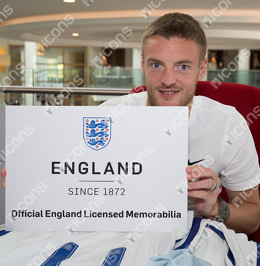 70e5c22d594f Jamie Vardy Official England Signed Yellow and Black Nike Hypervenom ...