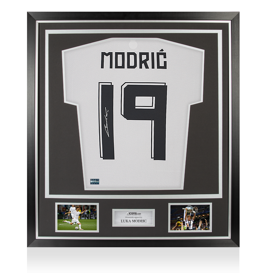 Luka Modric Signed Real Madrid 2015 16 Home Shirt With Fan Style Numbers In Clas Ebay